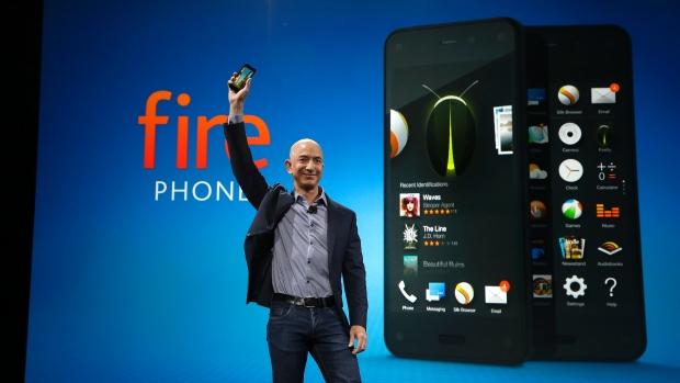 Amazon Fire Phone, l'attesa è finita schermo 3d e controlli spaziali feat