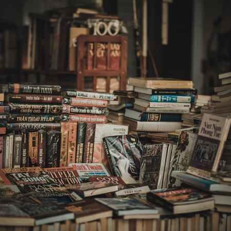 Crisi della carta e libri, ecco perché il digitale non basterà
